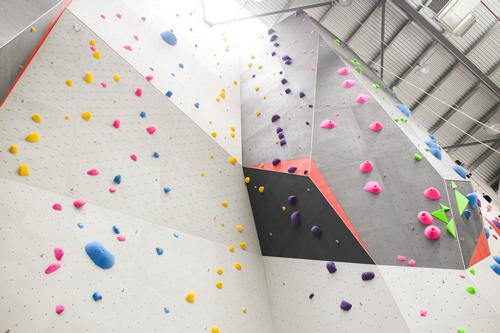 There are also walls for top rope climbing up to 10m (32.8ft) and lead climbing up to 15m (49.2ft)