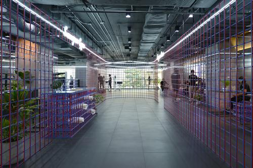 The gym covers an area of 860sq m (9,250sq ft) / Thanut Sakdanaraseth