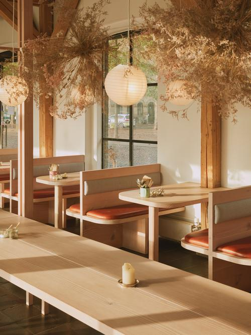 The interior was inspired by the trends for casual, relaxed dining and sharing of food / Vermland