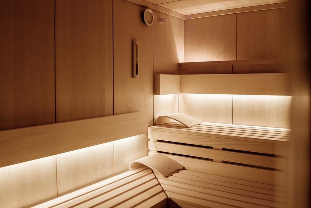 The hotel offers a variety of wet facilities, including steam rooms and saunas