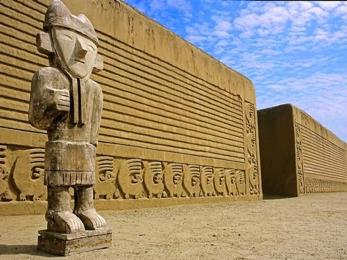 The ancient city of Chan Chan in Peru / CyArk