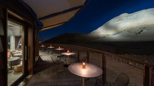 The café has panoramic views of the Jebel Buhais ridge / Marc Goodwin