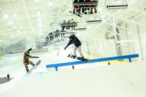 Big SNOW is said to be the first indoor snowpark in North America / Angela Pham, courtesy of American Dream