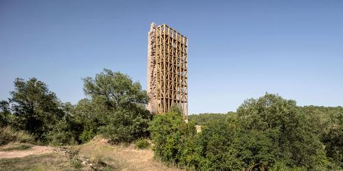 It is said to have been largely destroyed as a result of earth tremors in the area during the 1500s / Carles Enrich Studio