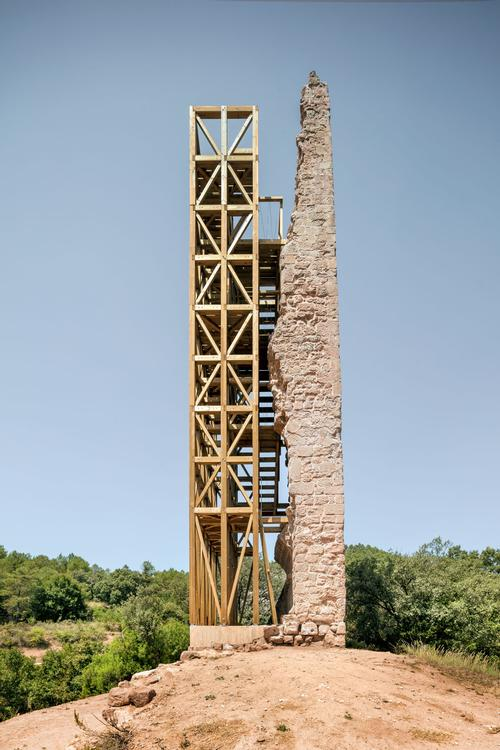 The thinness of the remaining structure meant it was at a high risk of collapse / Carles Enrich Studio