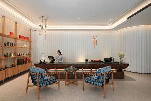 The spa offers a range of massages, facials and body scrubs and wraps using organic Thai wellness brand HARRN products