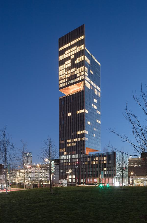 The double-cantilevered tower incorporates three sky gardens