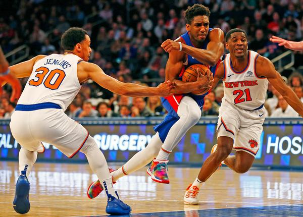 The New York Knicks must compete with all the other entertainment options available in New York City / © USA TODAY Sports:SIPA USA:PA Images