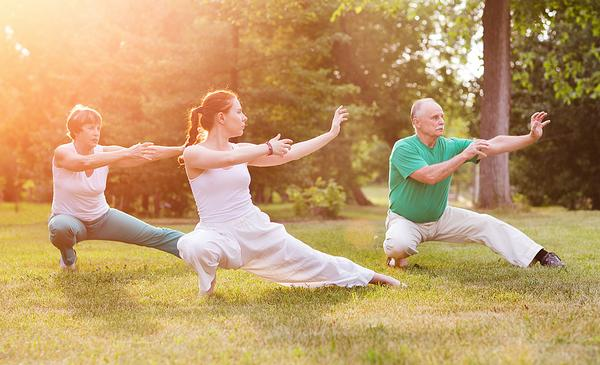 Attracting older adults: movement classes decrease the risk of falling, anxiety and depression / Ulza/SHUTTERSTOCK.COM