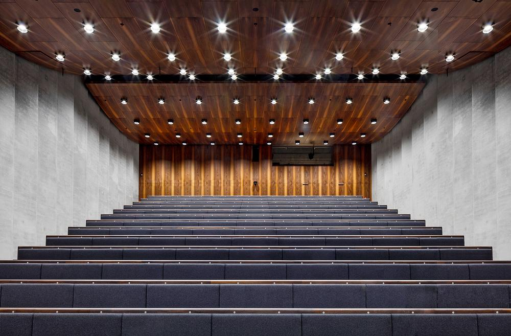 The lecture auditorium / Photo: ©Ute Zscharnt