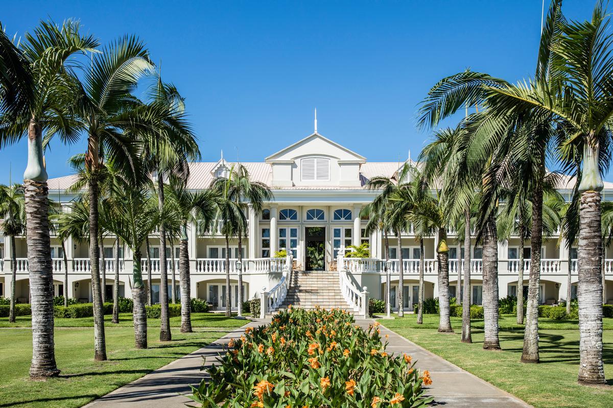 Buddha-Bar Beach adjoins the 258-room Sugar Beach luxury resort. / Courtesy of Sun Resorts