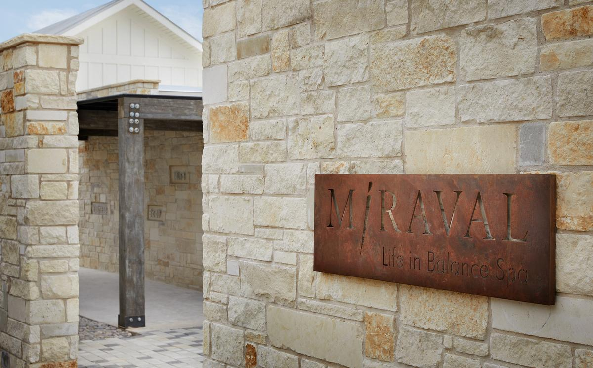 Conceptualised by renowned designer Clodagh, the Life in Balance Spa at Miraval Austin draws inspiration from the surrounding Balcones Canyonlands Preserve