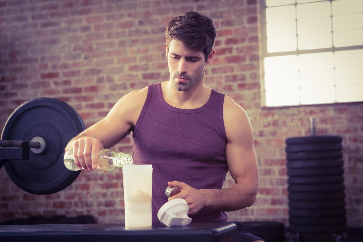 Protein shakes are popular after a workout, but they may not be effective if sufficient protein has already been consumed / Shutterstock