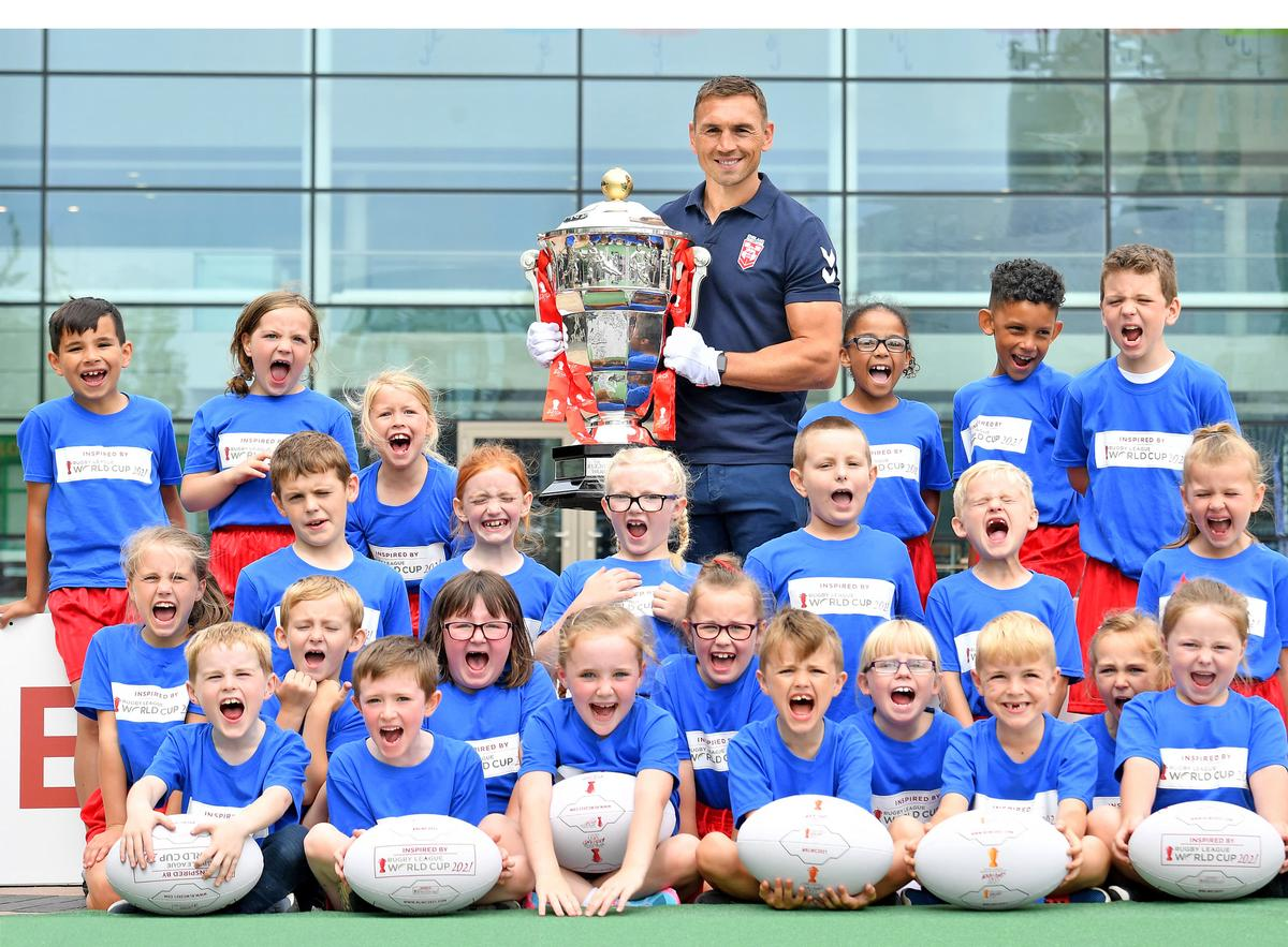 Tournament ambassador and rugby league great Kevin Sinfield helped to launch the Facilities Programme for 2021, with help from kids at Sacred Heart infant and junior school