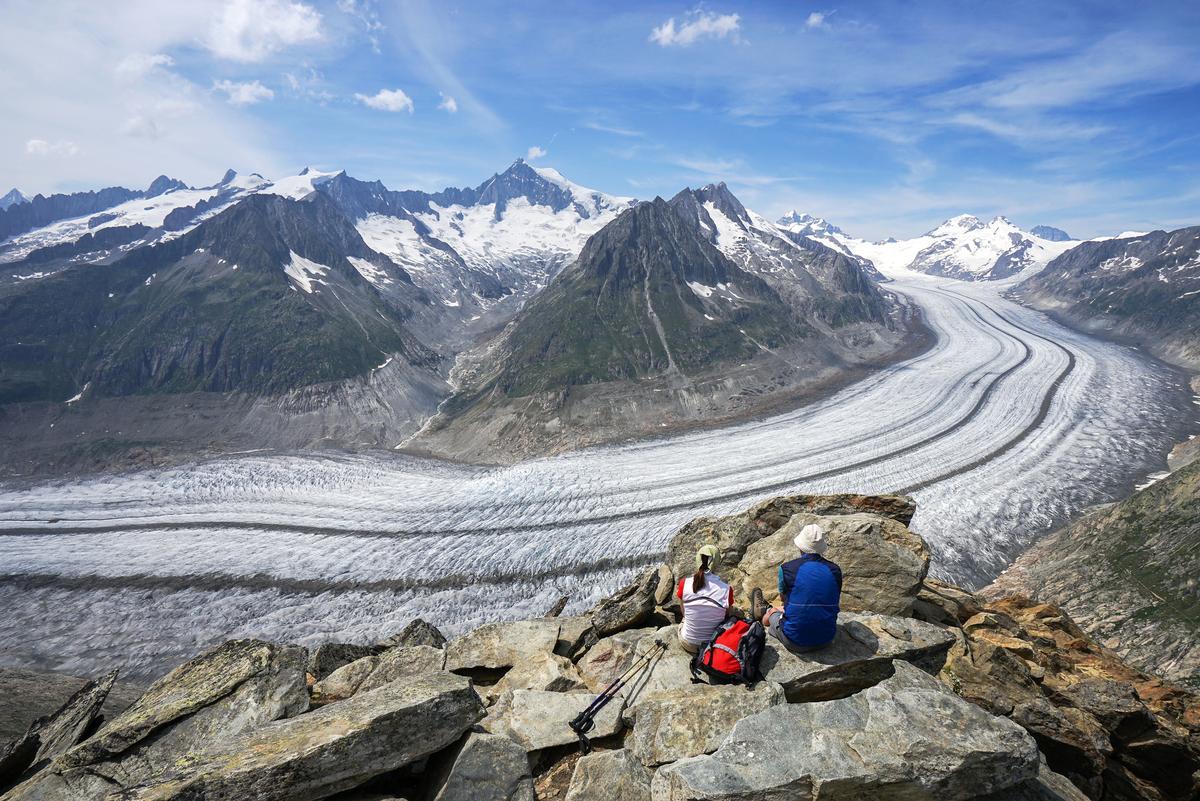 The Grosser Aletschgletscher in the Swiss Alps is one of many glaciers under threat worldwide / Shutterstock