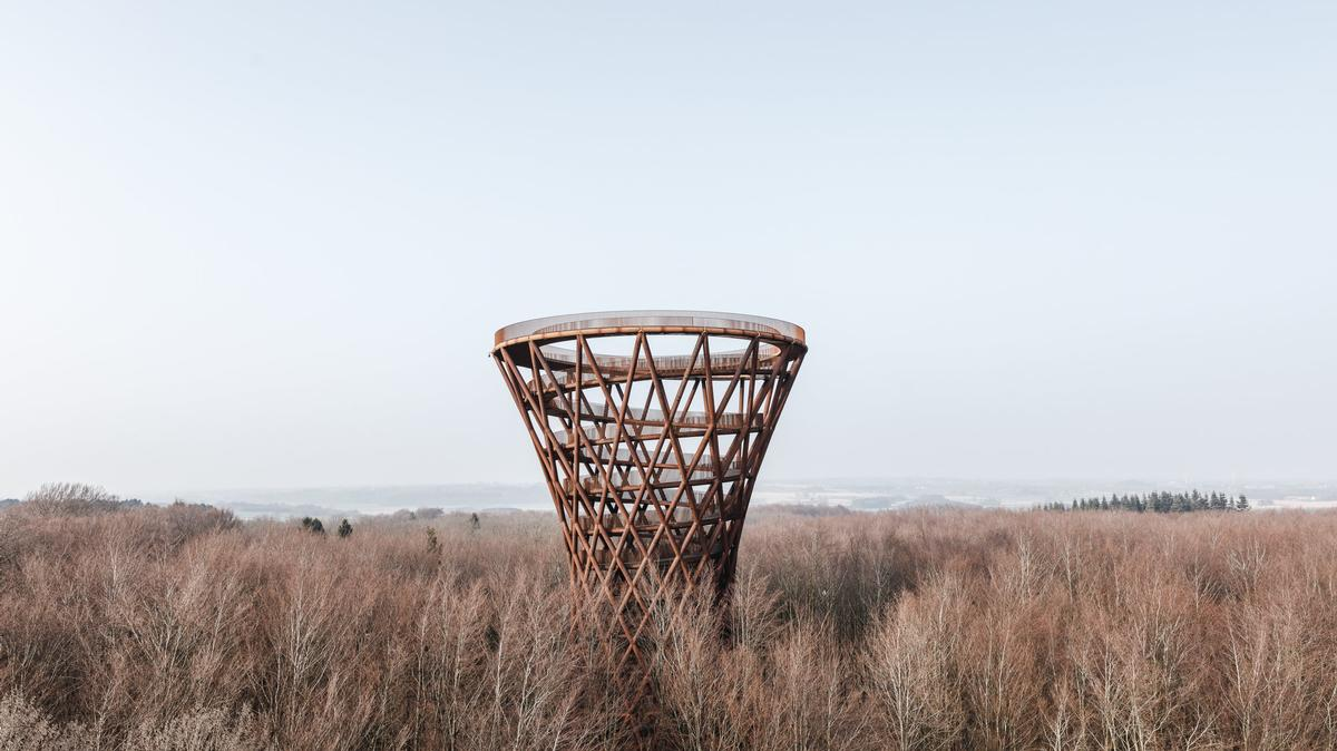 The structure is located on the island of Zealand at the Camp Adventure Climbing Park. / Courtesy of Effekt