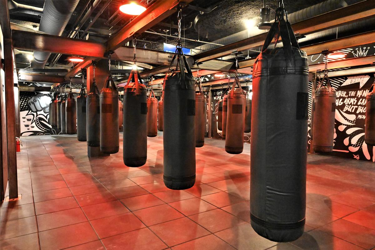 The space also plays host to blow-dry bars, a pro shop, and a yoga room. / Courtesy of EverybodyFights