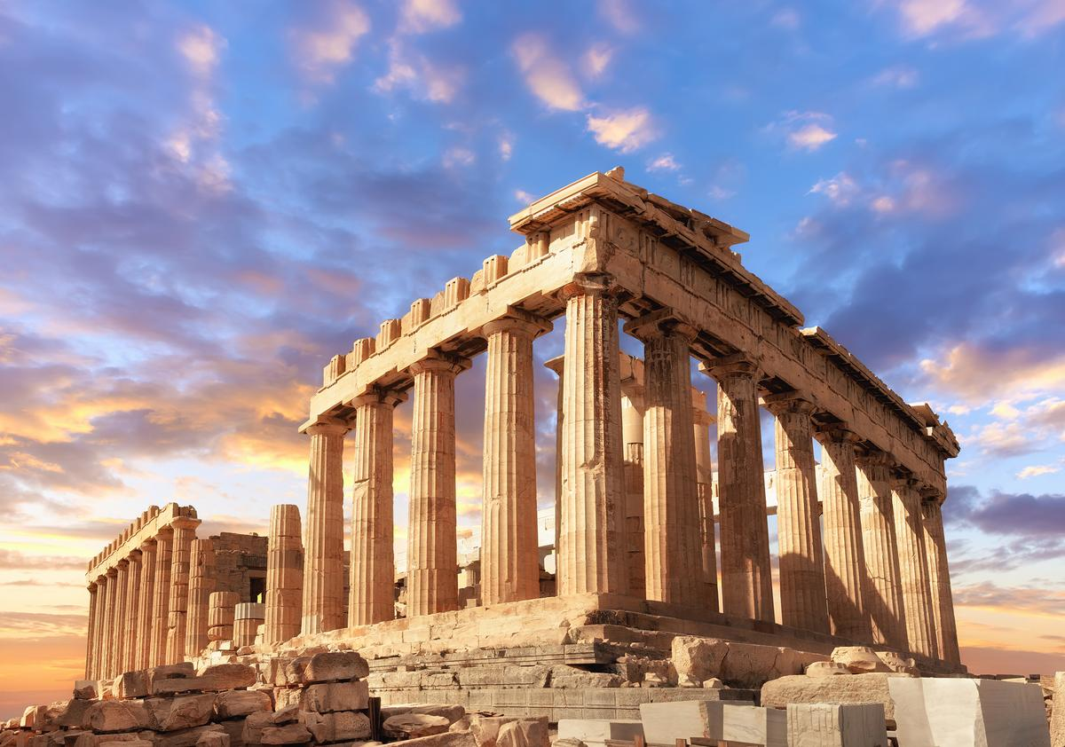 The spectacular Parthenon at the Acropolis / Shutterstock