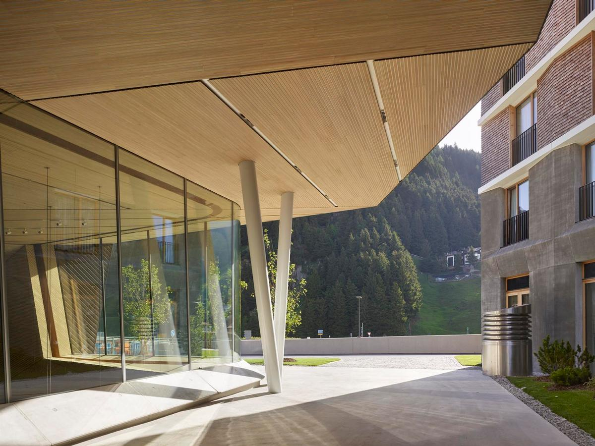 The new facility has been called the 'first major purpose-built concert hall in any Alpine ski village' / Roland Halbe