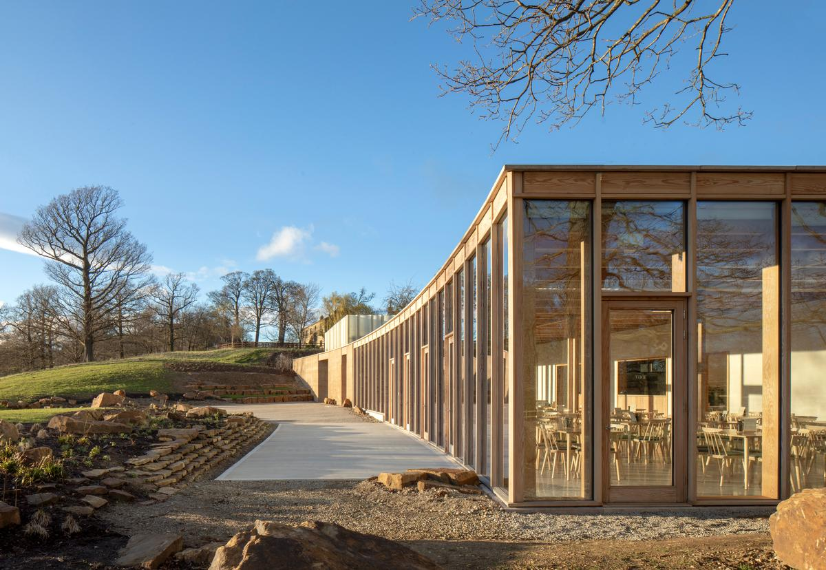 The Weston: The tones of the timber and the lime plaster have created a building with a warm, intimate feel / Peter Cook