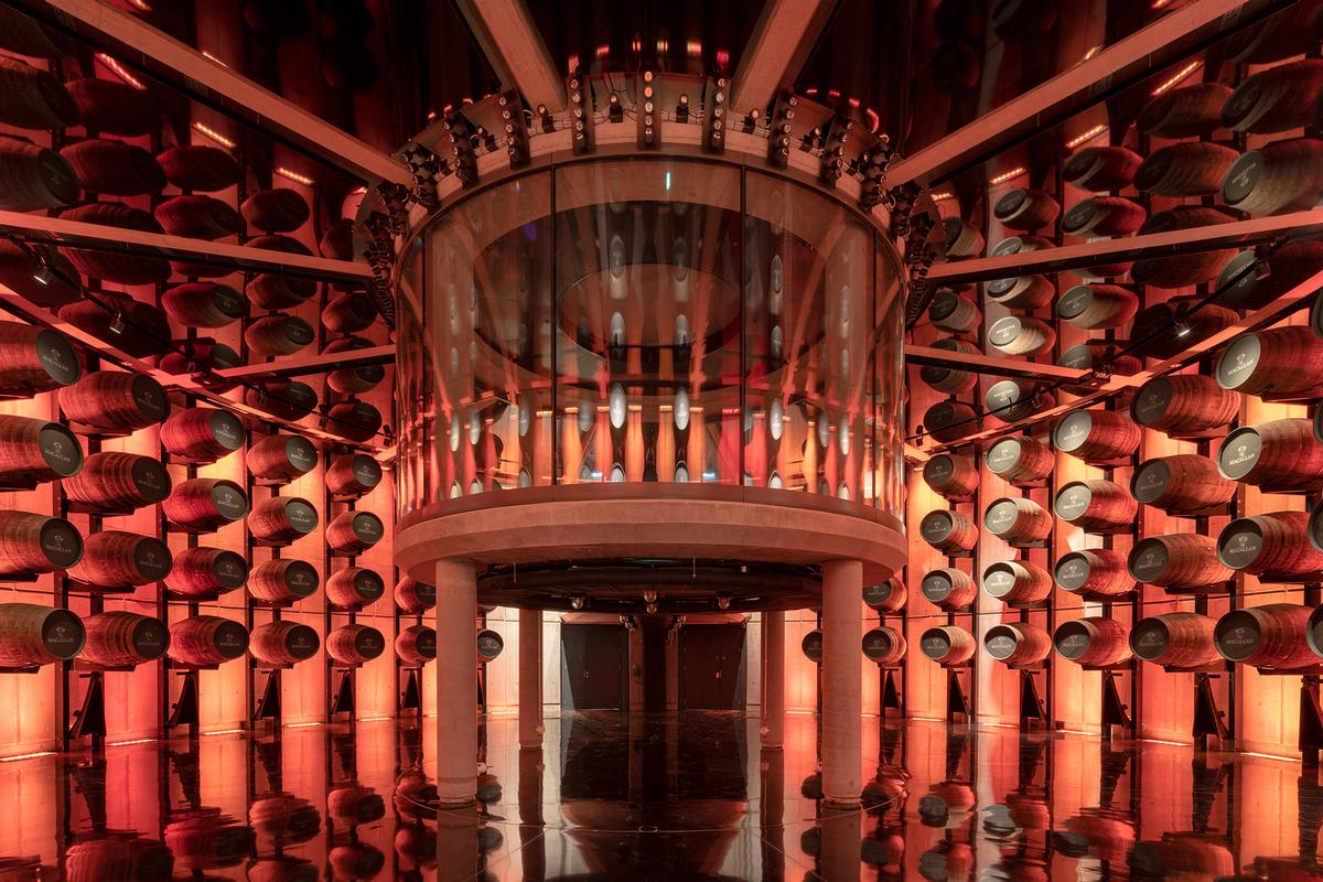 The Macalan: The visitor experience progresses through a sequence of spaces that follow the production story of the whisky / Joas Souza