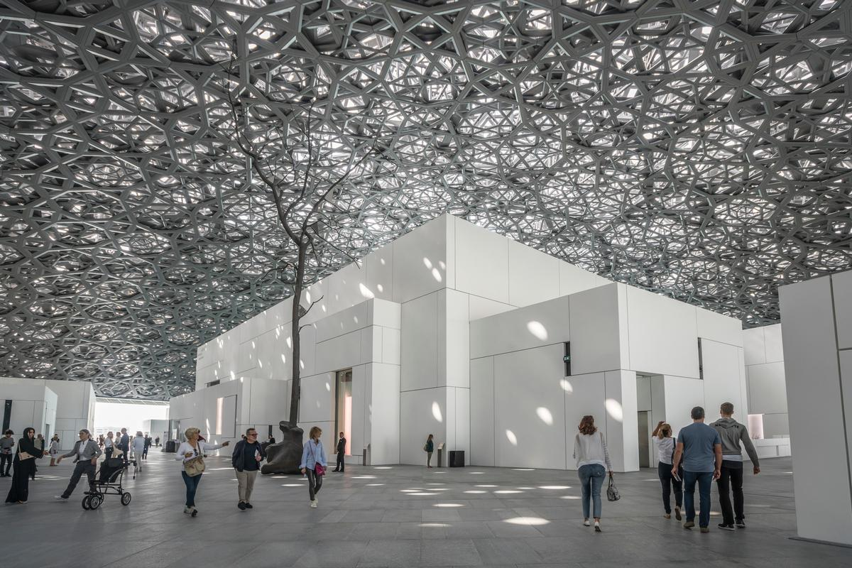 The Louvre Abu Dhabi is included in the itinerary for the Treasures of the Persian Gulf cruise / Shutterstock