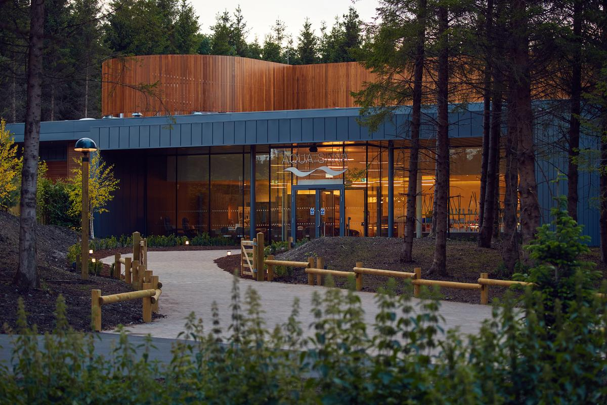 Sparcstudio, Holder Mathias Architects and Sisk Group create Ireland's first forest spa at Center Parcs Longford Forest