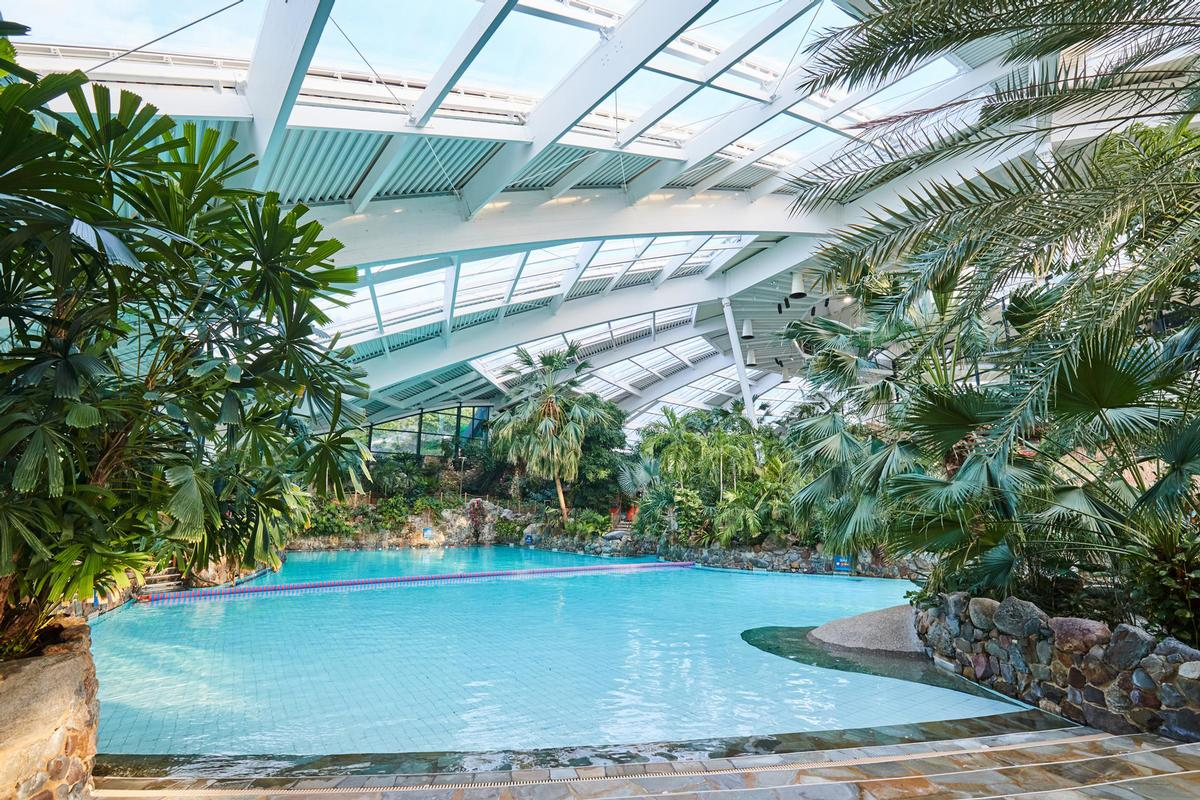 The Subtropical Swimming Paradise is heated to 29.5C all year round and guests have unlimited entry to it