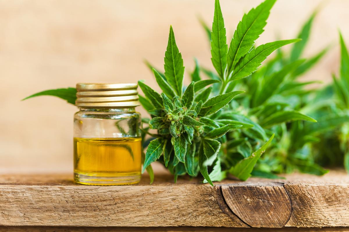 CBD products with less than 0.3% THC will now be allowed at the ISPA Conference & Expo, but must be in full compliance with the US's FDA requirements / Shutterstock/734579047