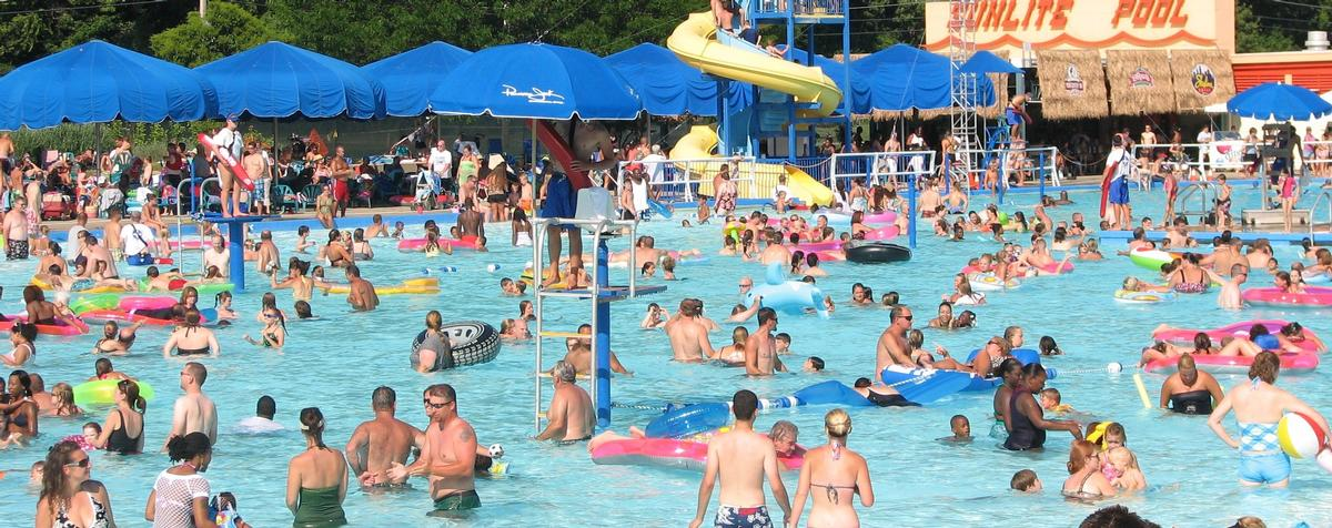 The Sunlite Pool, opened in 1925, is 400 feet long by 200 feet wide / Coney Island Cincinnati