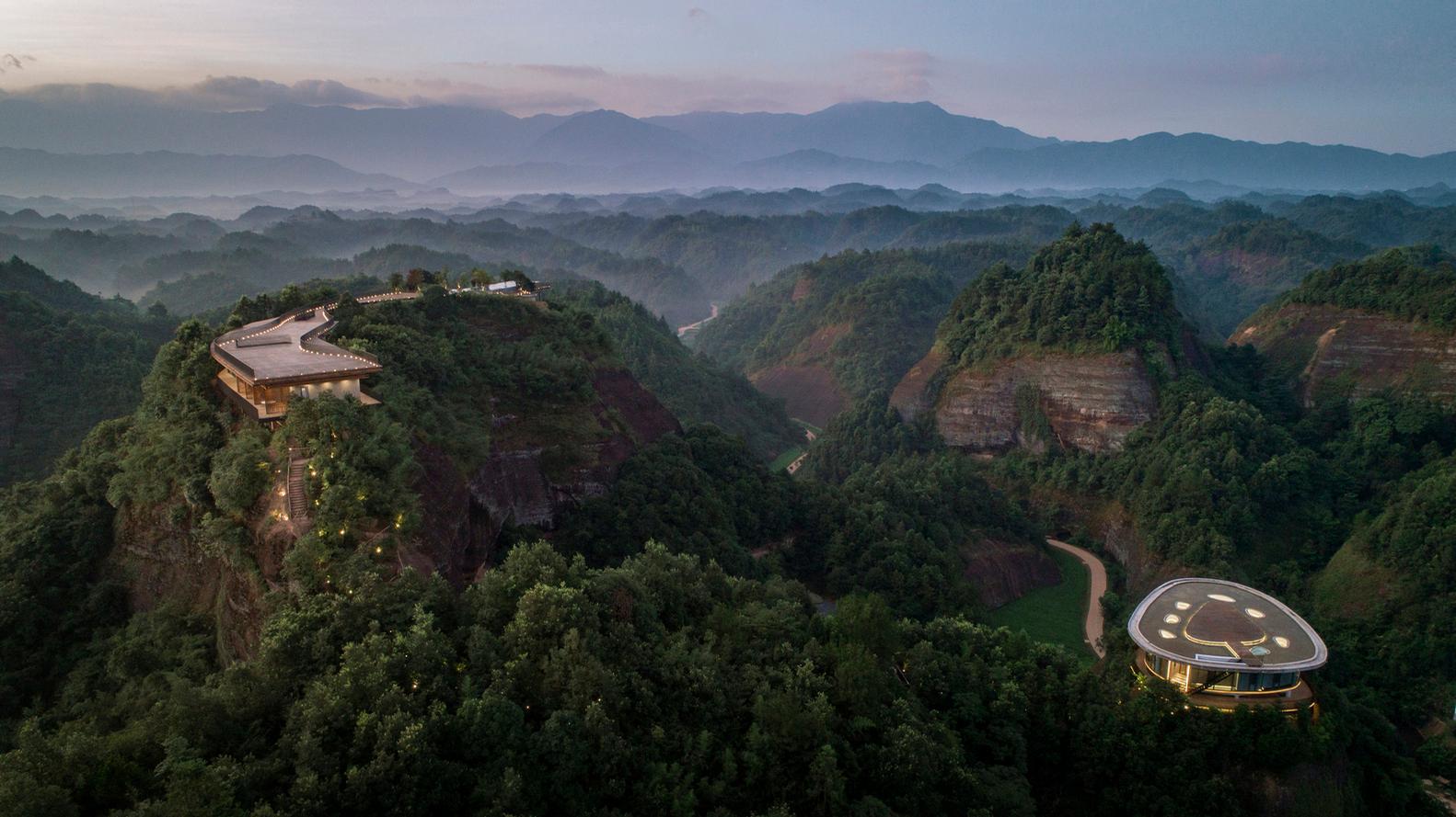 The Pingjiang Homey Wild Luxury Hotel is located in Baimao Village, Pingjiang County in China's Hunan Province / Jin Weiqi