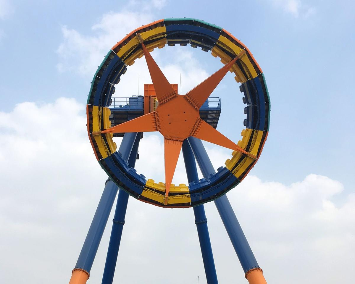 Huss has installed its Giant Frisbee 40 ride at Magic Mountain Park in India