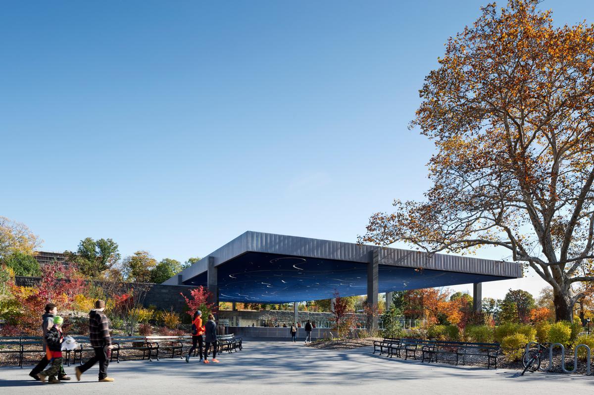 Lefrak Center at Lakeside Prospect Park, Brooklyn, New York / Michael Moran
