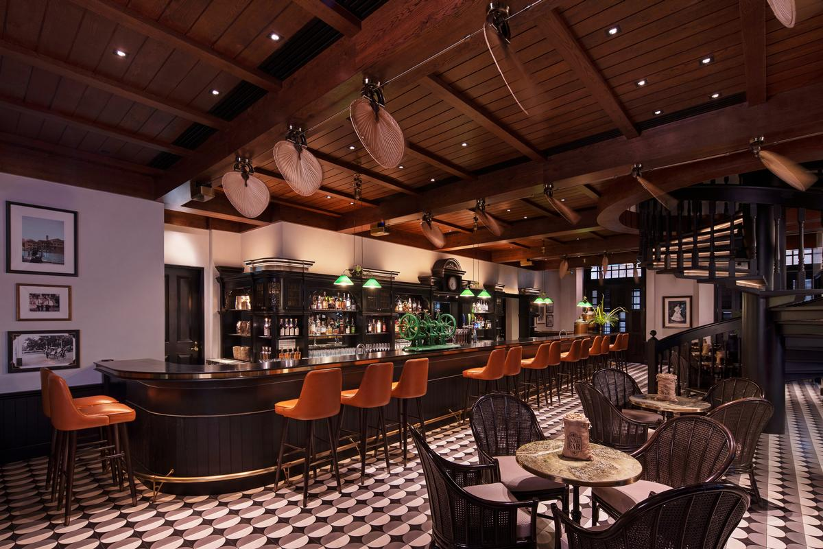 The Long Bar at Raffles Singapore / Accor
