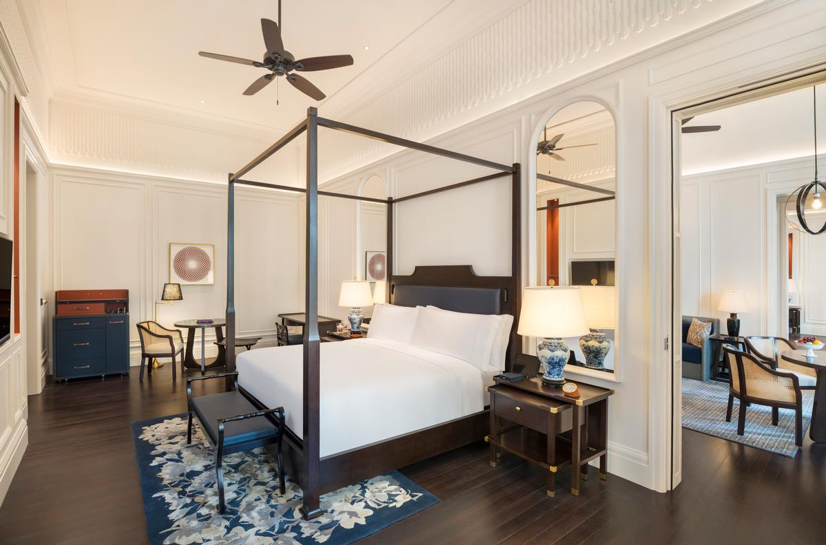 A Courtyard Suite at Raffles Singapore / Accor