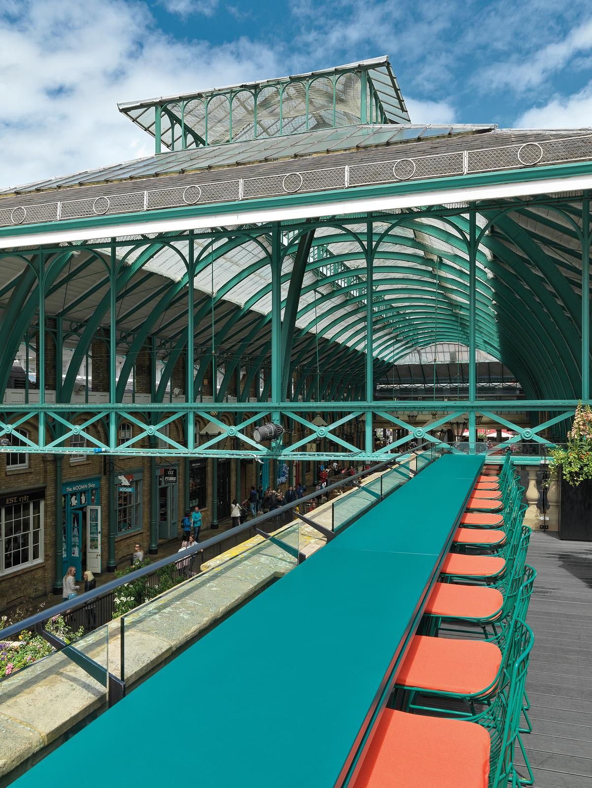 The green theme matches the metalwork of Covent Garden Market / Matteo Piazza