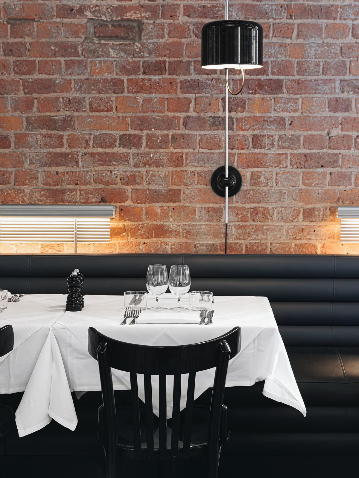 Bistrotheque has an 'expansive open kitchen' / Cultureplex