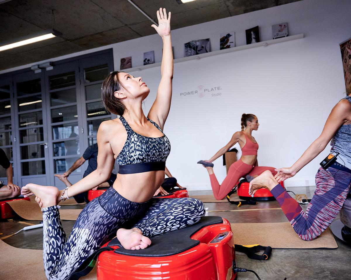 Power Plate on the Move included group training sessions led by Power Plate master trainers