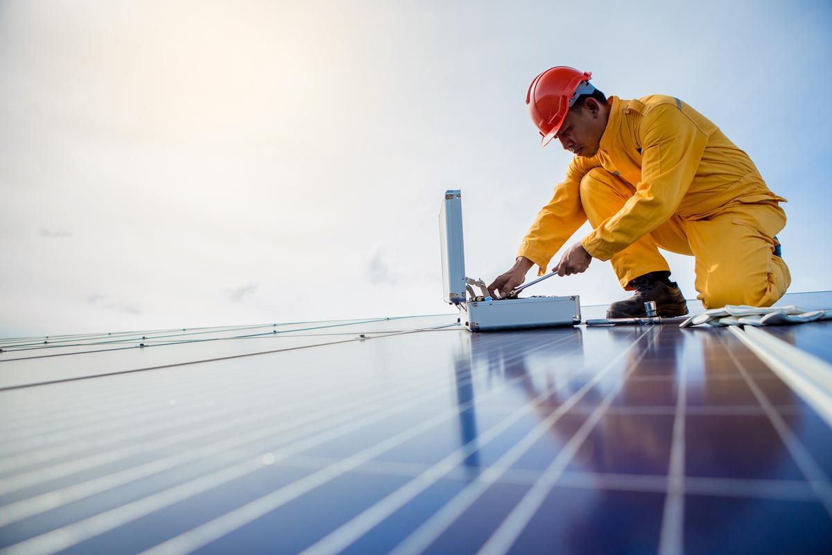 PortAventura will draw a third of its energy needs from solar power / Shutterstock.com