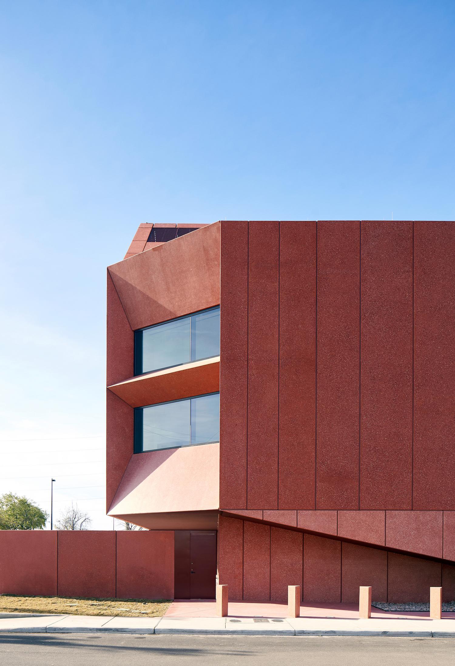 The building covers 14,000sq ft (1,300sq m) / Dror Baldinger