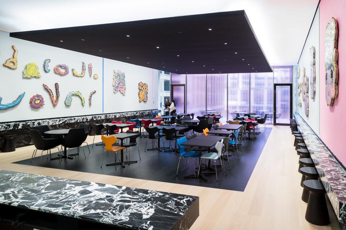 The Carroll and Milton Petrie Terrace Sixth Floor Café is newly added / Iwan Baan