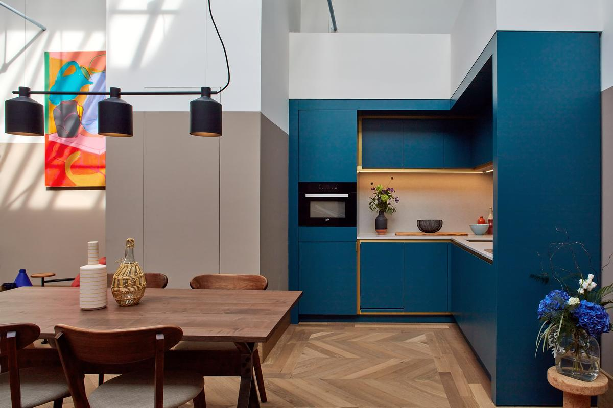 The kitchen / dining area in a loft apartment / Native