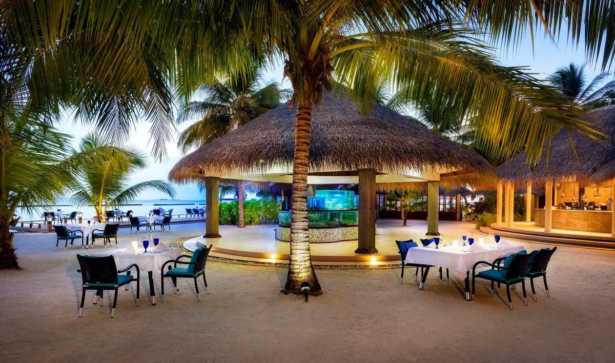 Outside dining at the Sheraton Maldives resort