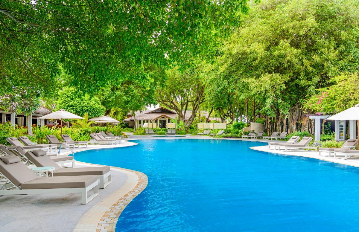 A pool at the Sheraton Maldives resort