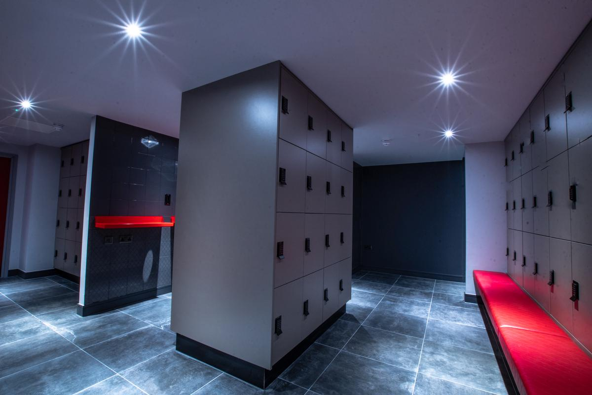 Locker rooms include changing areas, a family changing area and saunas / UFC Gym