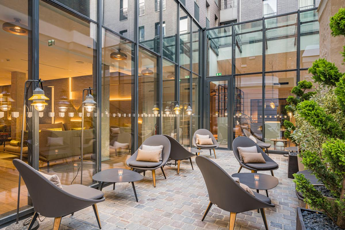 There is also an 80-seat heated terrace / Naiim de la Lisière