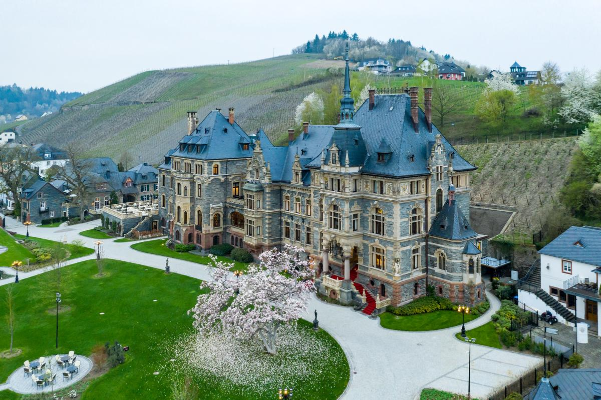 The castle was built in the late 1800s / Filipe Wiens