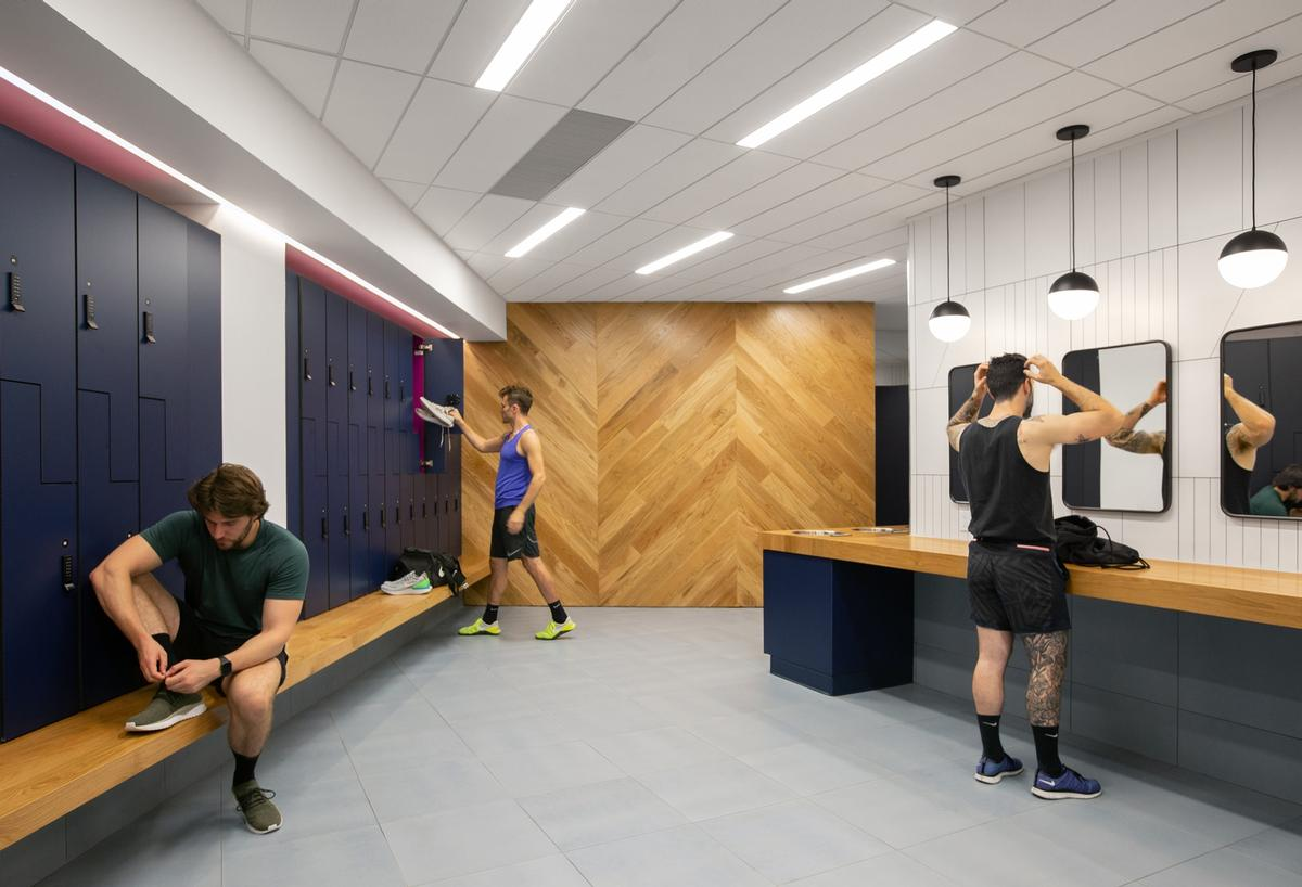 Softer tones in the locker rooms make for a calmer, more relaxed ambience / Rafael Soldi