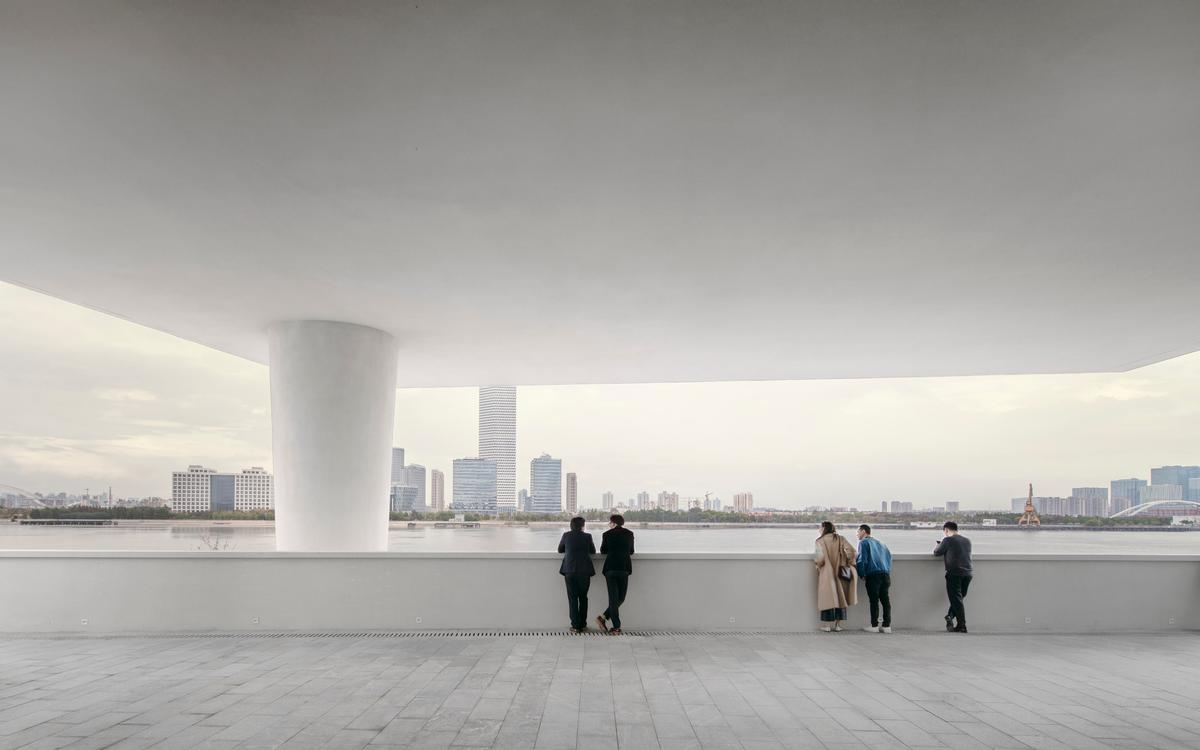The 22,000sq ft (2,000sq m) facility sits on the north bank of the Huangpu River / David Chipperfield Architects