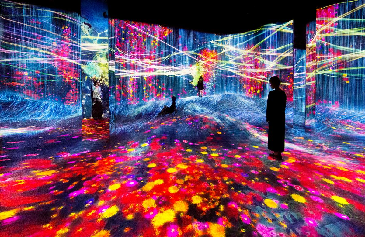 The 6,600sq m (71,000sq ft) destination is described as an intricately-structured three-dimensional space / Exhibition view of teamLab Borderless Shanghai, 2019, Shanghai © teamLab, teamLab is represented by Pace Gallery